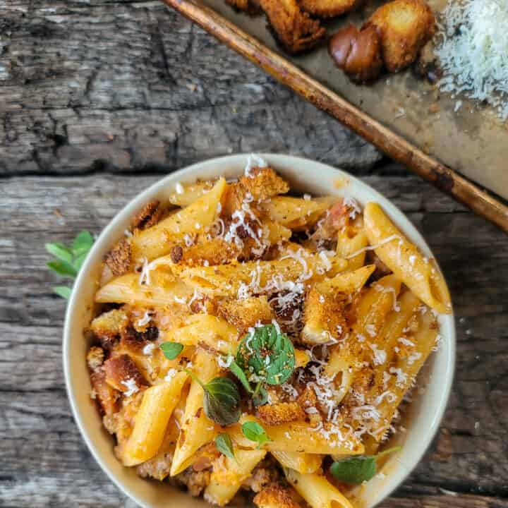 Pasta with vodka sauce and sausage